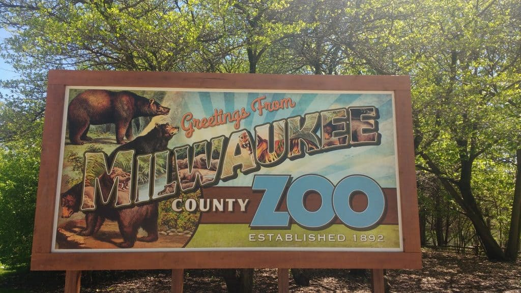 Milwaukee Zoo Sign